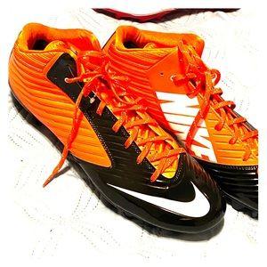 Nike cleats size 16